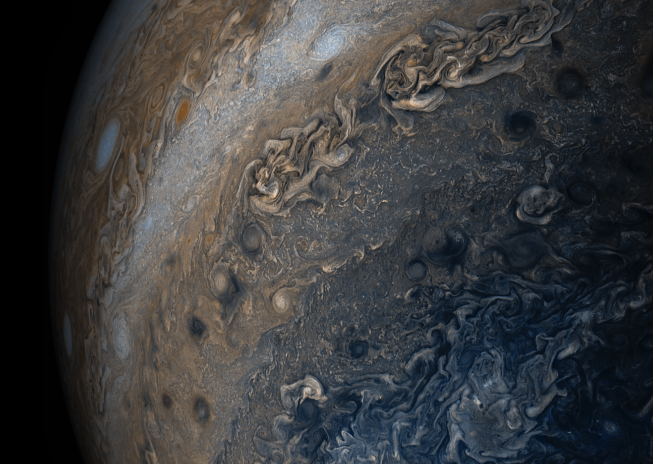 These new images of Jupiter show its clouds in stunning detail