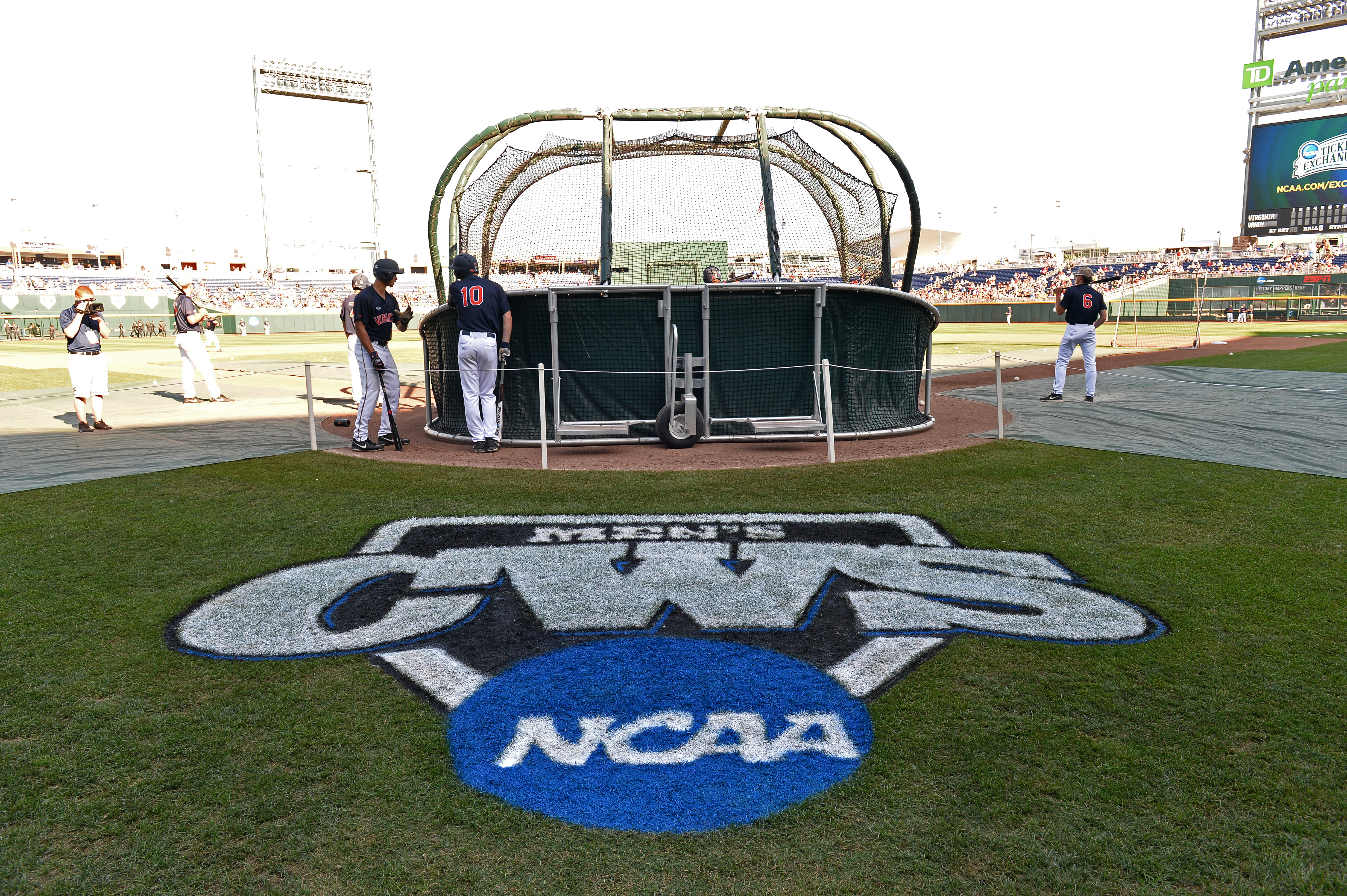 College World Series - Virginia v Vanderbilt - Game One
