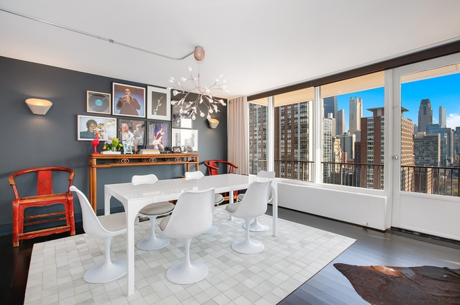 Bright And Funky Gold Coast High Rise Rehab Asks 775K