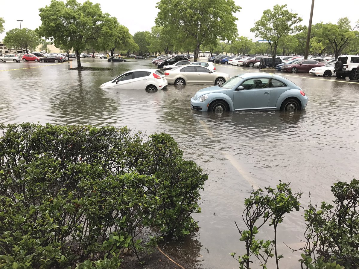 Flooding in the Sawgrass Mills parking lot