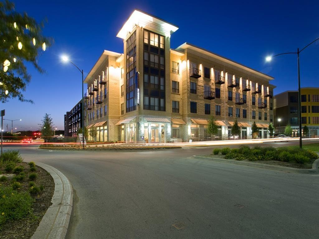 Contemporary limestone apartment complex