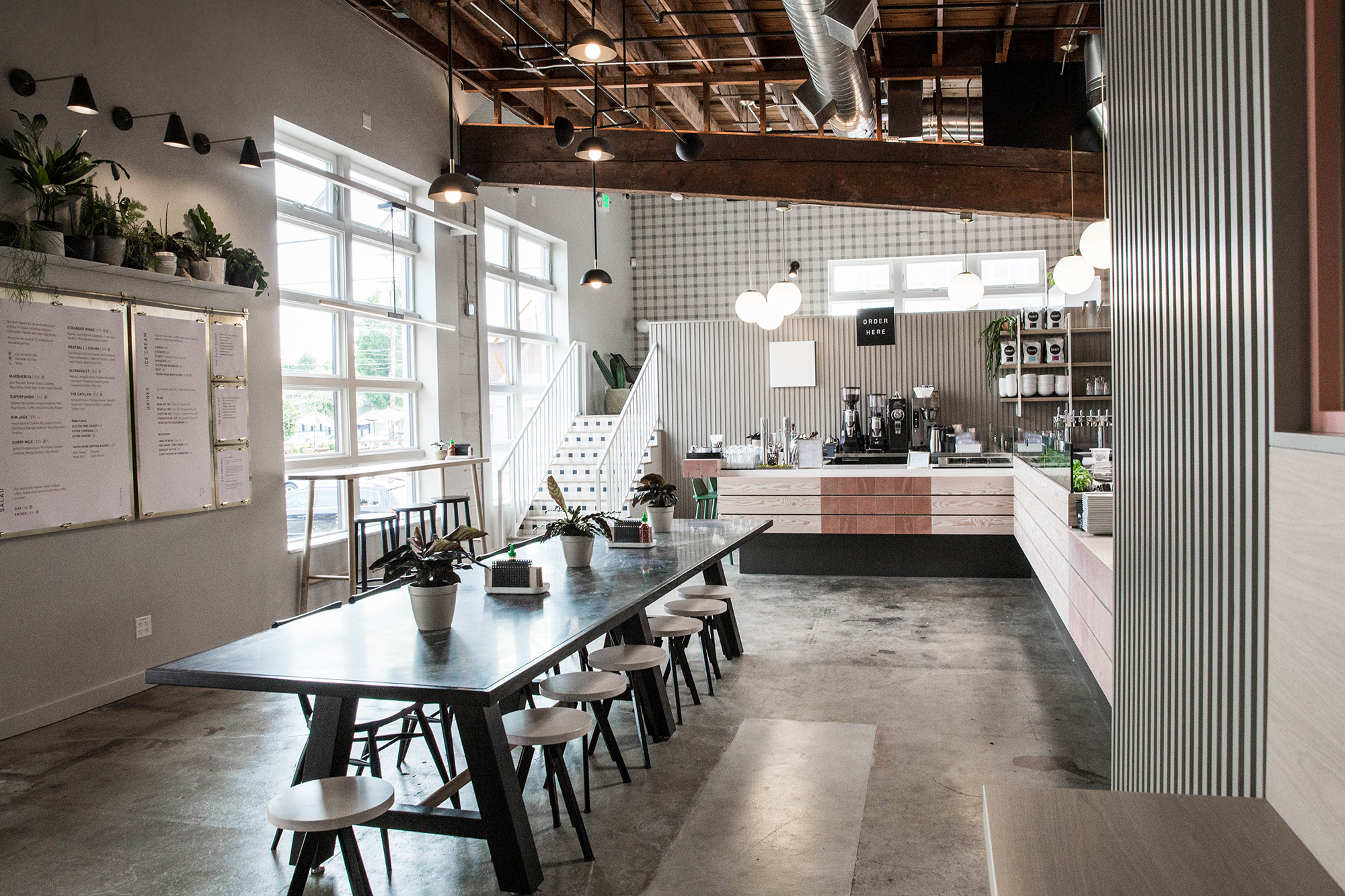 Tour Virtuous Pie S Sleek Cafe And Restaurant On Se Division
