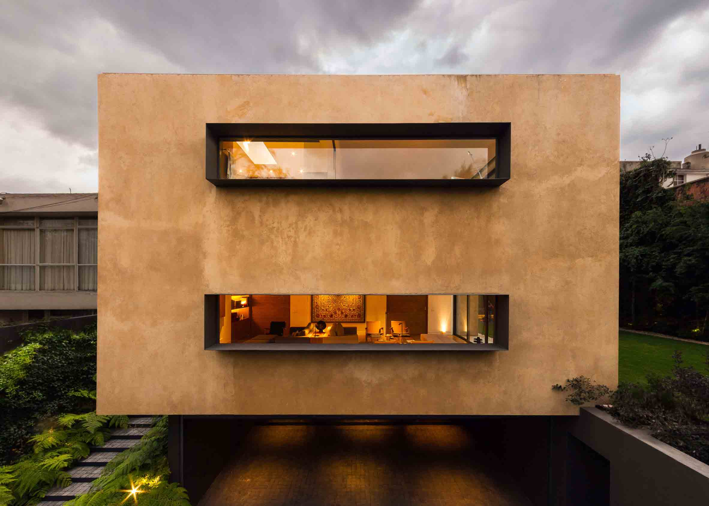 Clay house in Mexico City is all about light