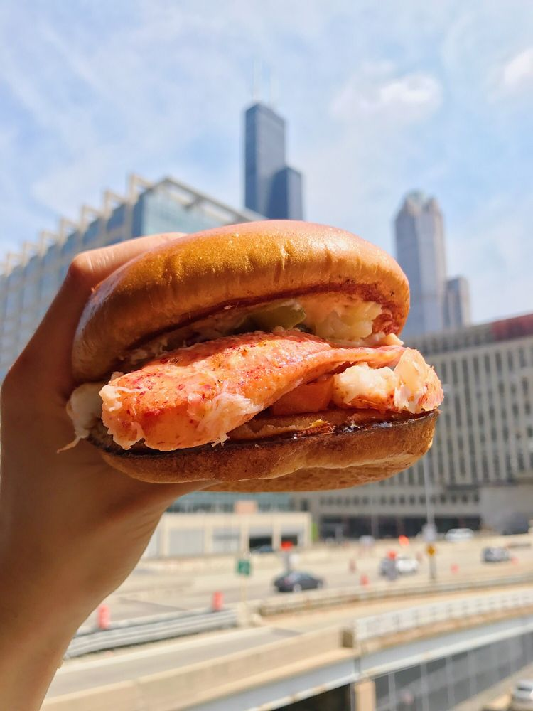 Chicago's Happy Lobster Truck Brings Maine Lobster Rolls to Austin