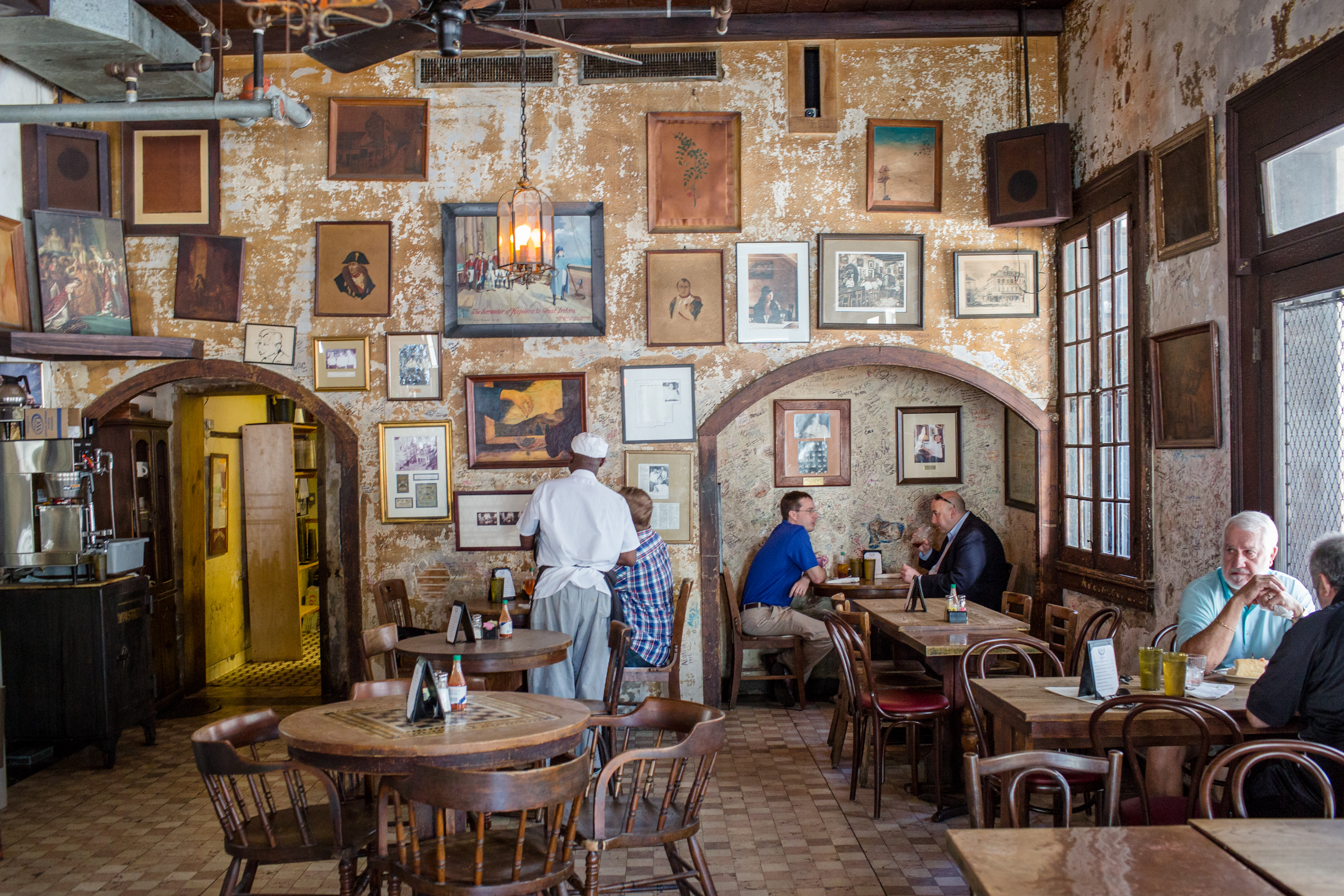 The 12 Essential French Quarter Bars