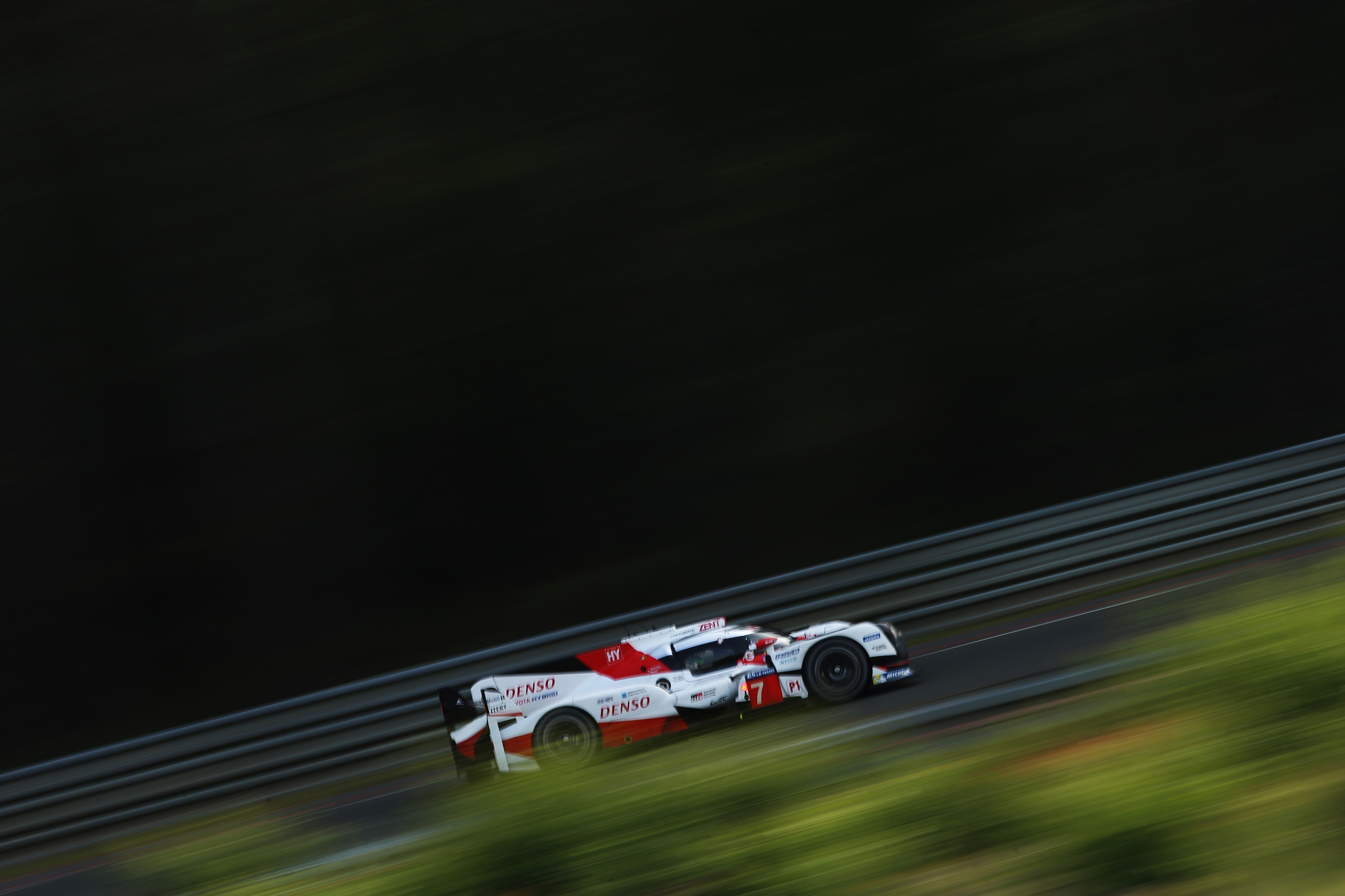 le mans 2017 live stream how to watch 24 hours of racing online. Black Bedroom Furniture Sets. Home Design Ideas