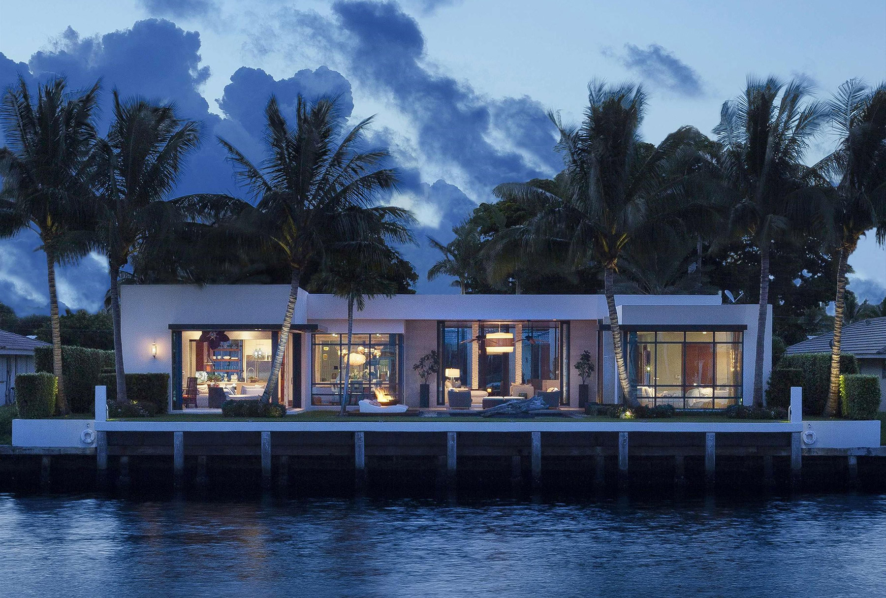 A modern home on the water in Boca