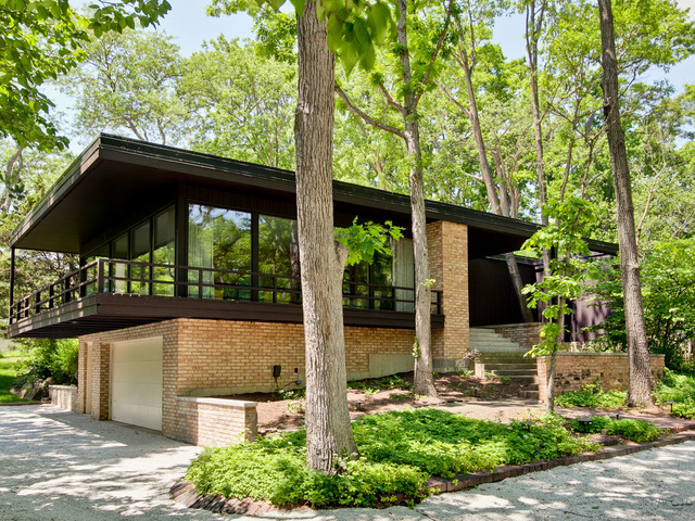 Midcentury Modern Time Capsule In Lake Forest Seeks $659K