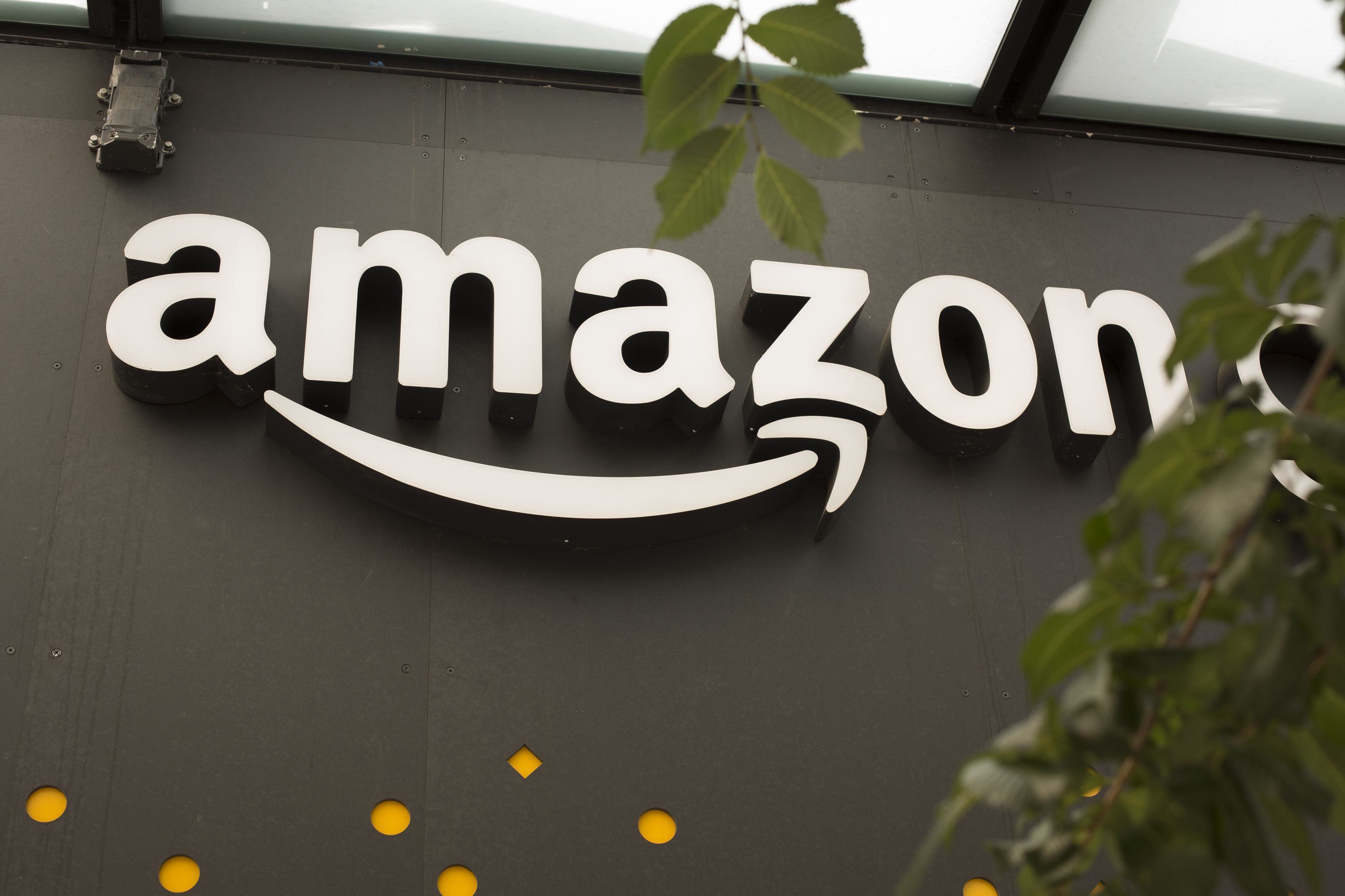 Amazon exterior store sign