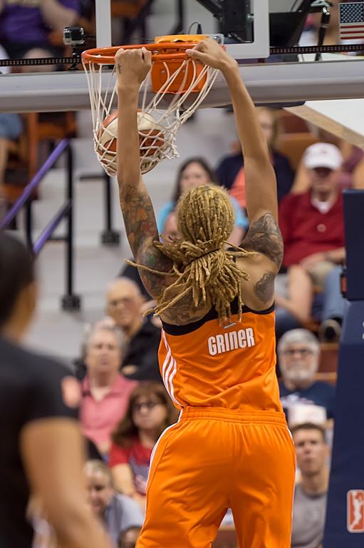 Brittney Griner dunk