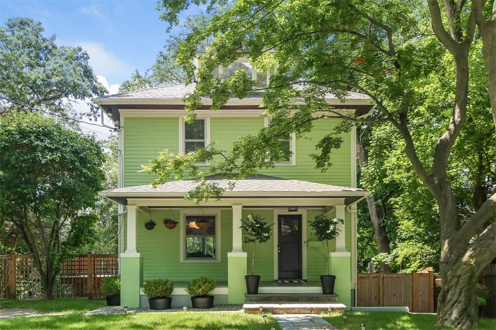 Minty 1929 American Foursquare Home Outside Nyc Asks 1 2m Inside A Delightful Open Plan Layout Encompasses A Spacious Living Room Formal Dining Space