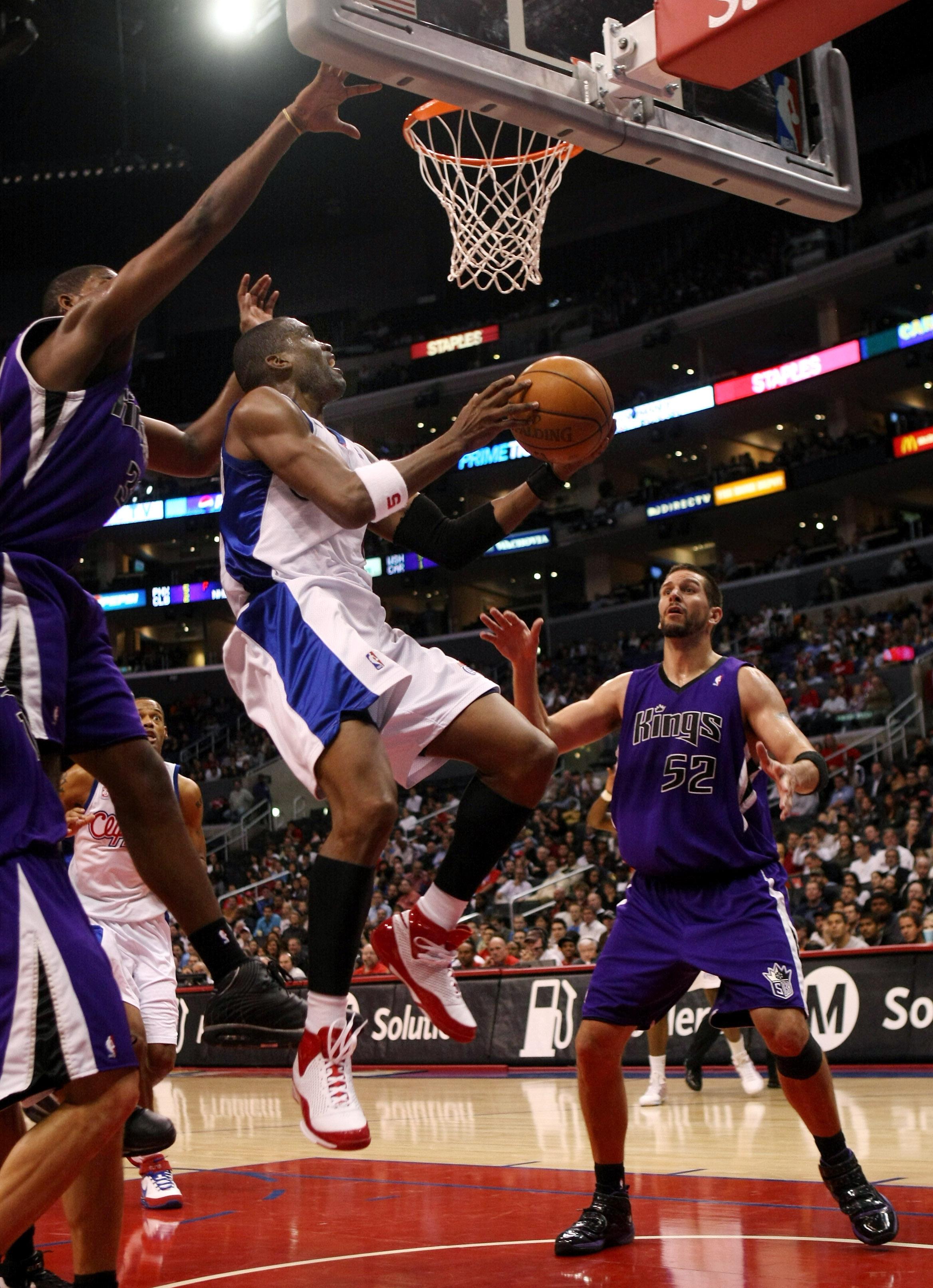 Sacramento Kings v Los Angeles Clippers