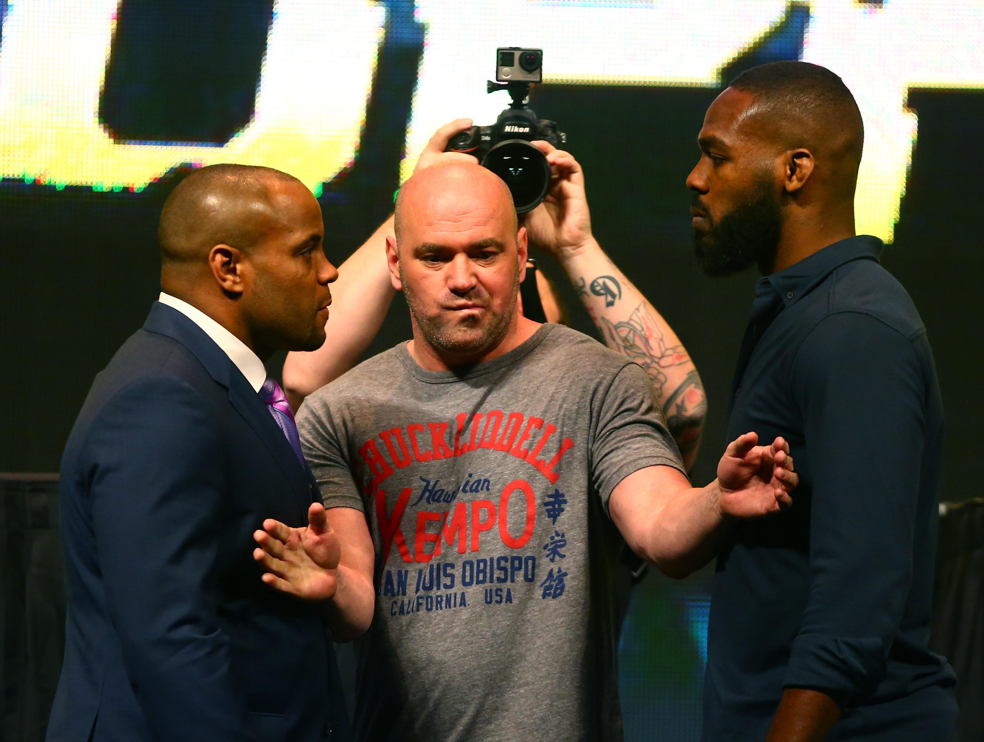 MMA: UFC 196-Weigh Ins