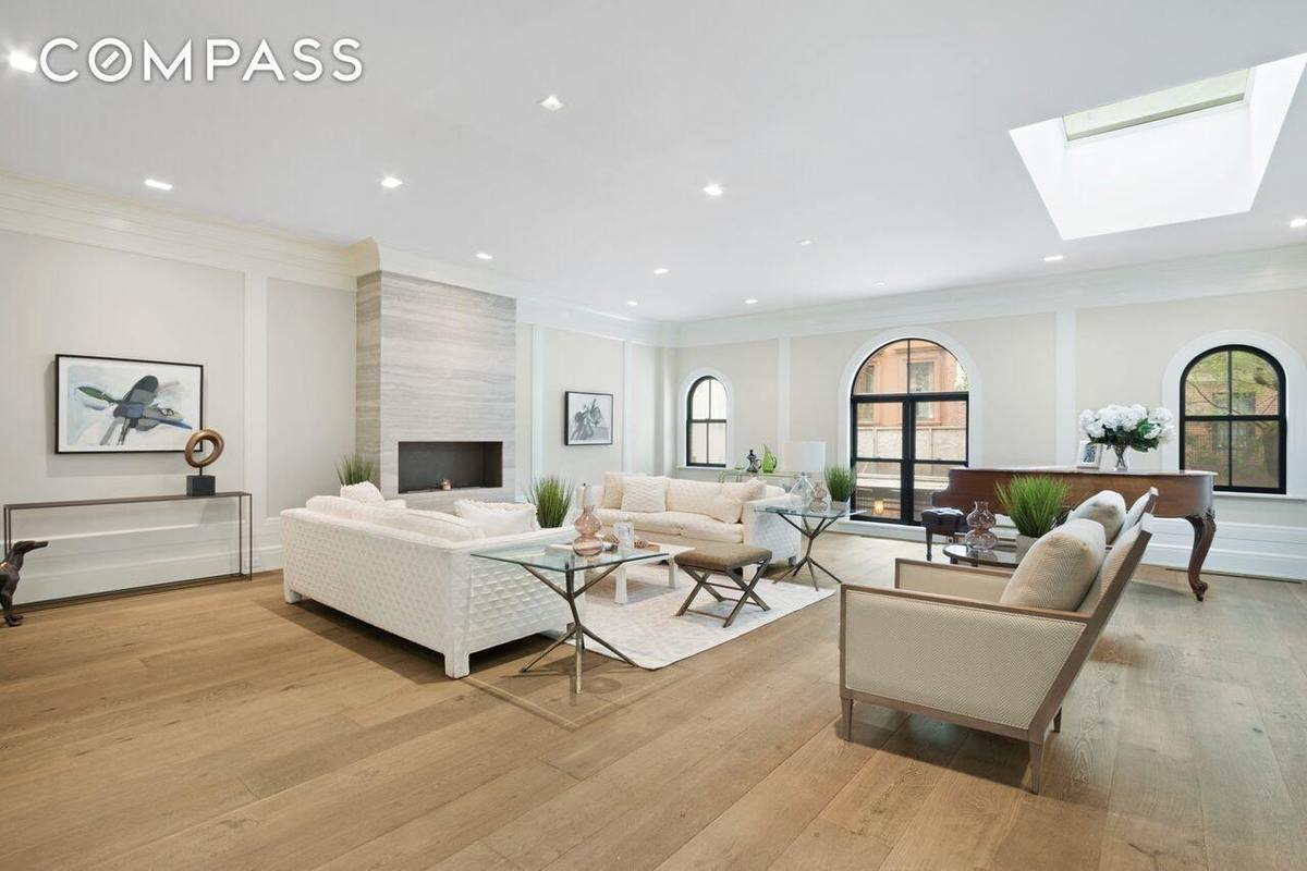 Traditional brownstone in brooklyn heights with contemporary - After Lovely Revamp Historic Brooklyn Heights Carriage House Seeks 10m