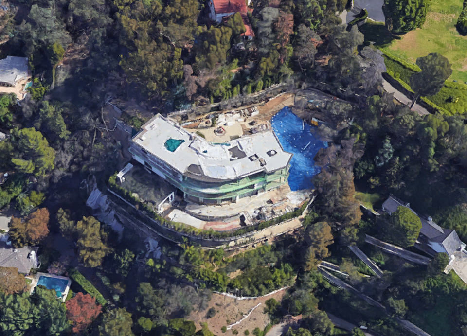 An aerial view of the mansion at 901 Strada Vecchia.