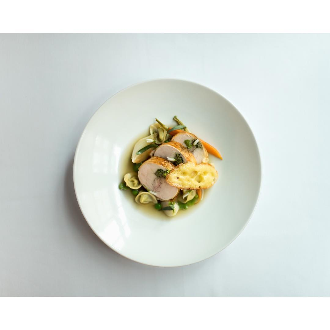 Ragoût de poulet with fennel ravioli and lemon broth at Les Sablons
