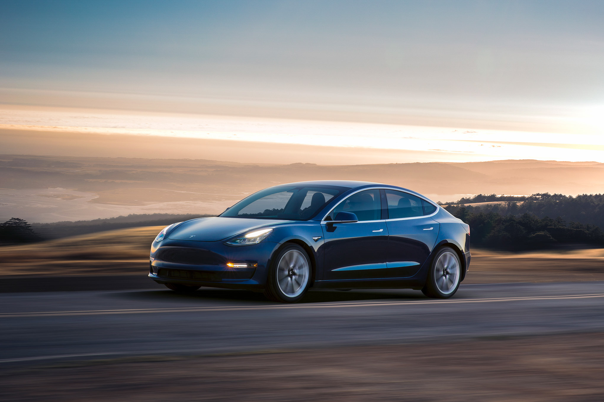 Tesla S Model 3 Isn T A Luxury Car But It Priced Like One