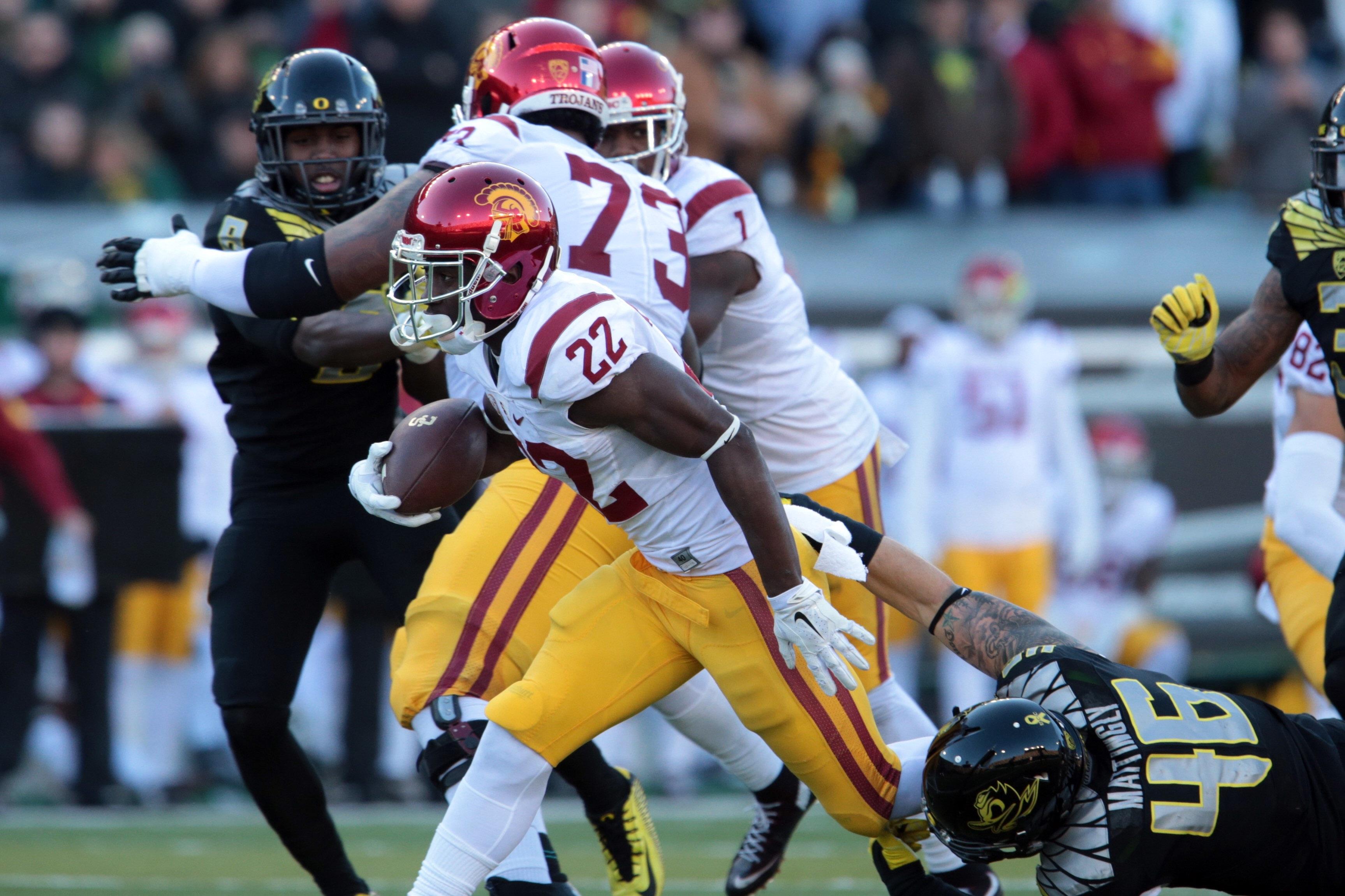 NCAA Football: Southern California at Oregon