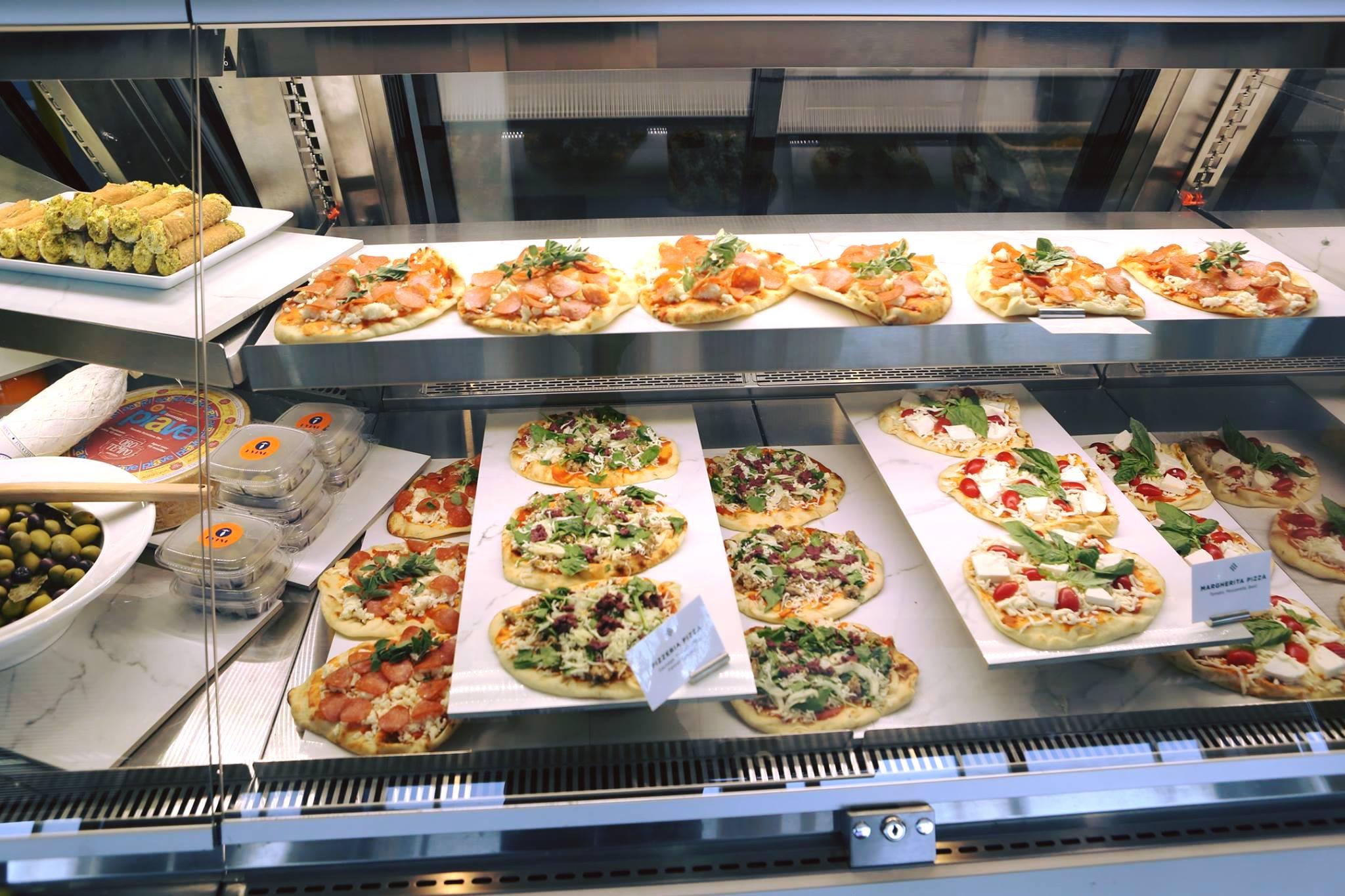 I Vini's pizzas