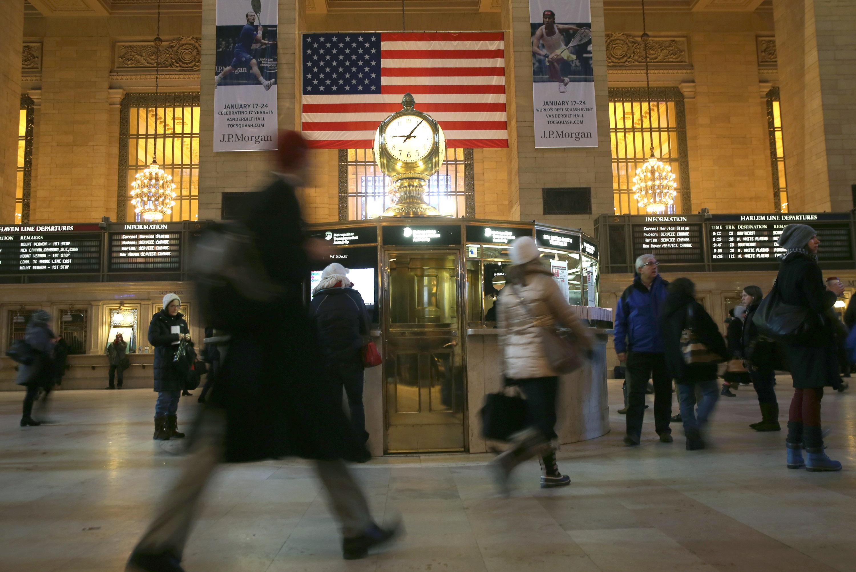 Frigid Temperatures And Snow Hamper NYC Morning Commute