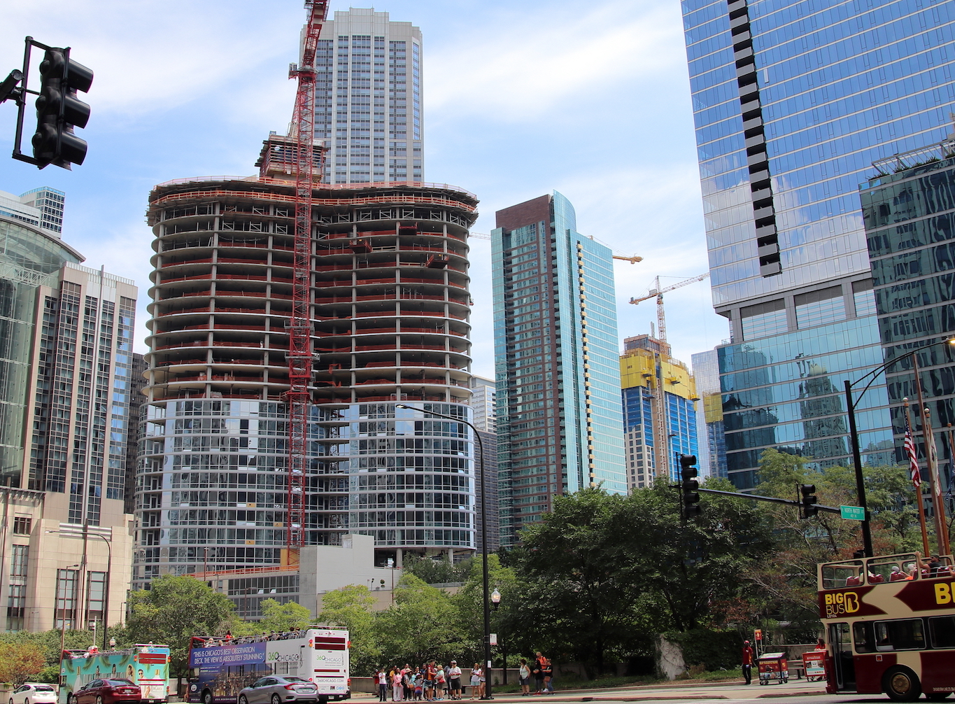 Another look at the south loop s upcoming 1000m tower for Apartment makerspace