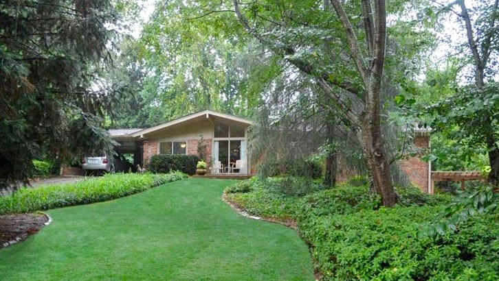 A midcentury home for sale in the Chastain Park area of Buckhead.
