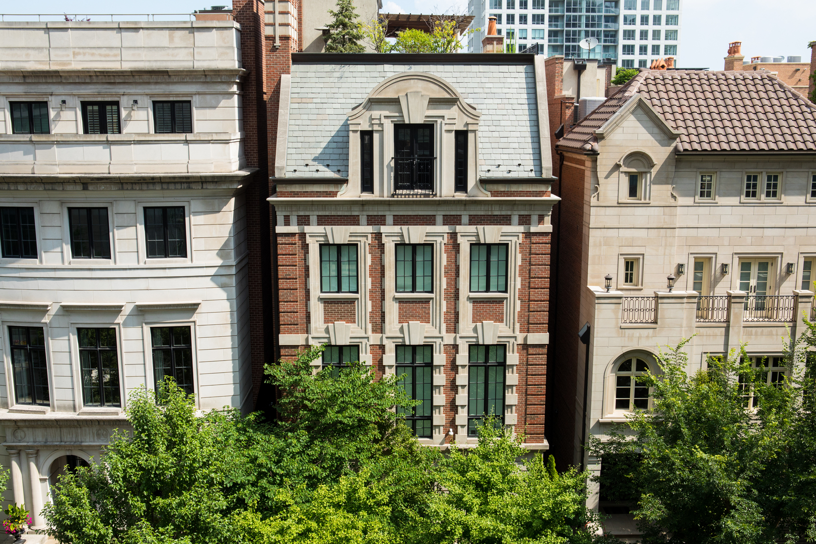 chicago celebrity homes curbed chicago ex bull jimmy butler knocks 400k off river north home