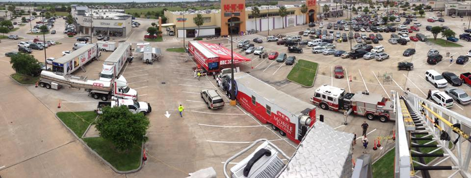 HEB's disaster relief units and mobile kitchens in Victoria, Texas