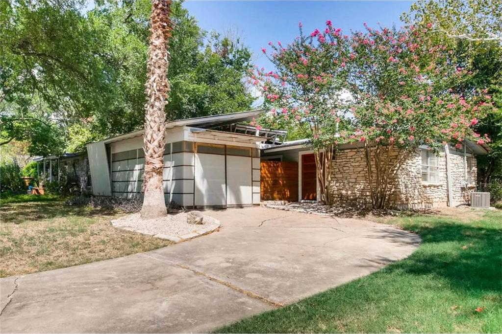 Photo of small midcentury-style home