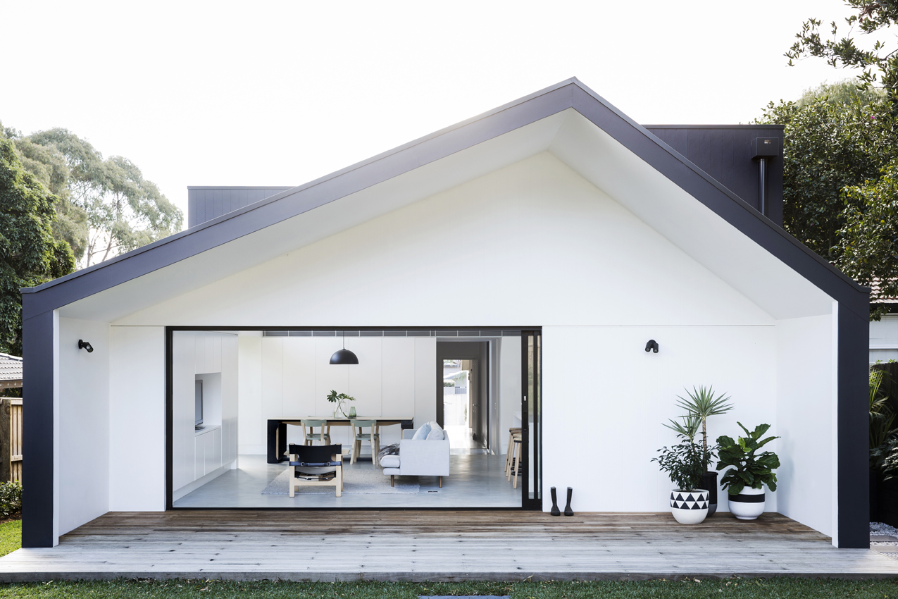 Modular modern addition refreshes a 1930s bungalow