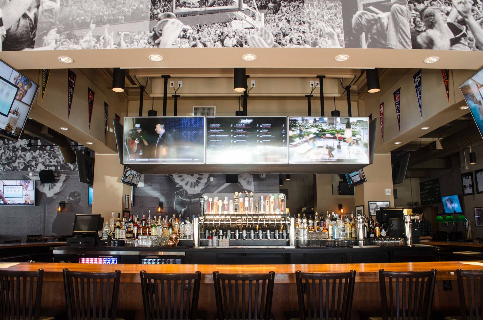 The Independent Sports Bar & Grill