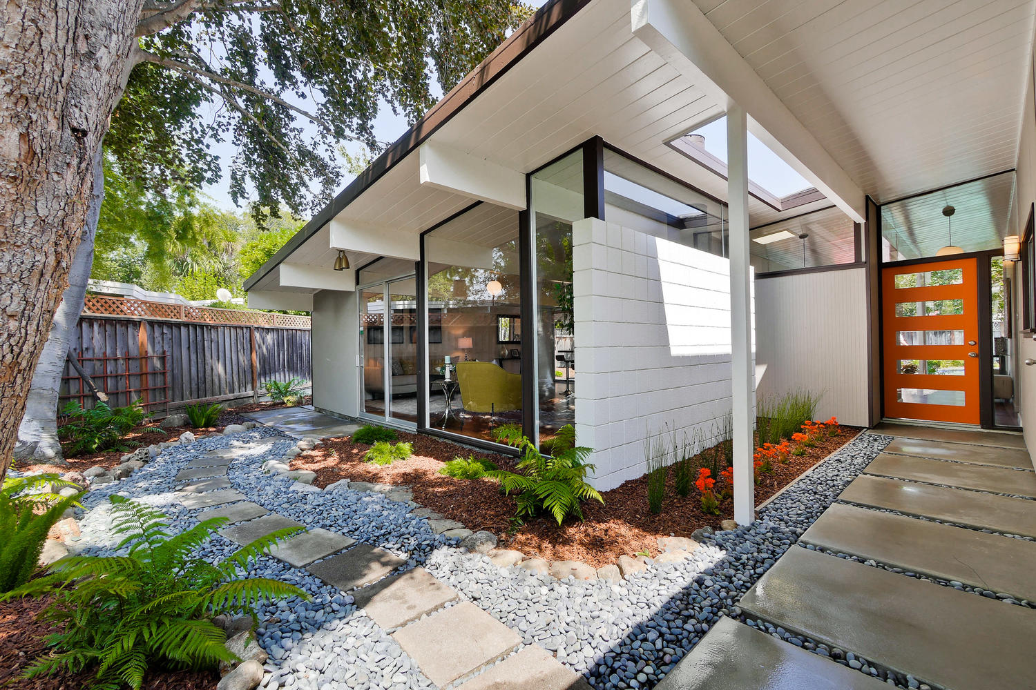 Oakland midcentury modern seeks 949 000 curbed sf for Eichler house