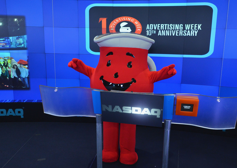 Advertising Week 2013 Rings The NASDAQ Closing Bell