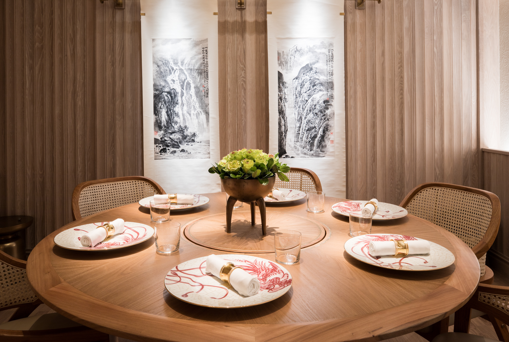 Venture Into the Luxurious World of Eight Tables, Chinatown's Glam New Fine-Dining Destination