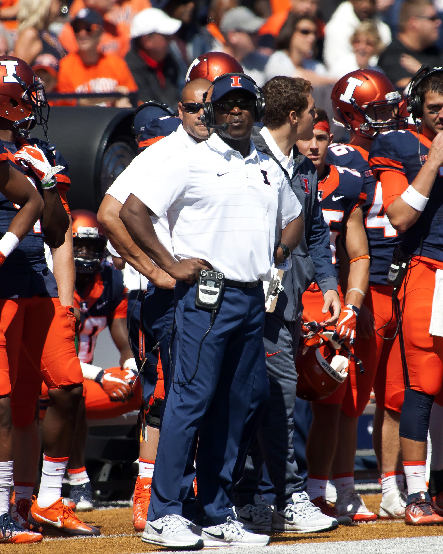 NCAA Football: Ball State at Illinois