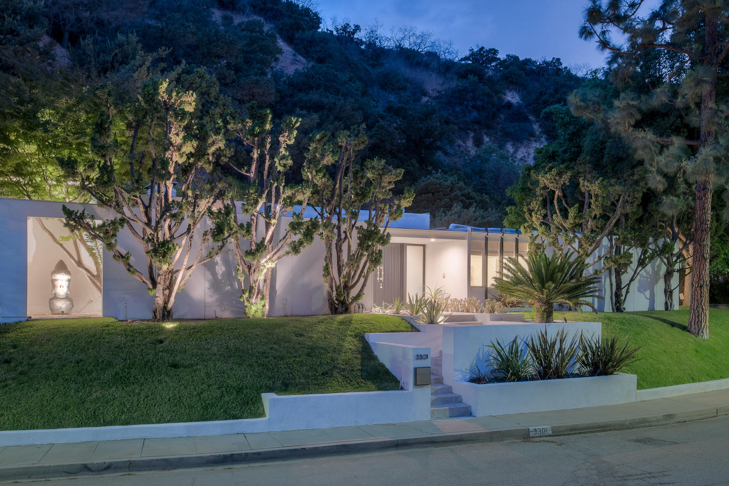 Modern homes los angeles brentwood untouched 1960 mid century modern - Sleek Midcentury Modern By Benton Park Up For Grabs In Sherman Oaks Affluent Longridge Estates