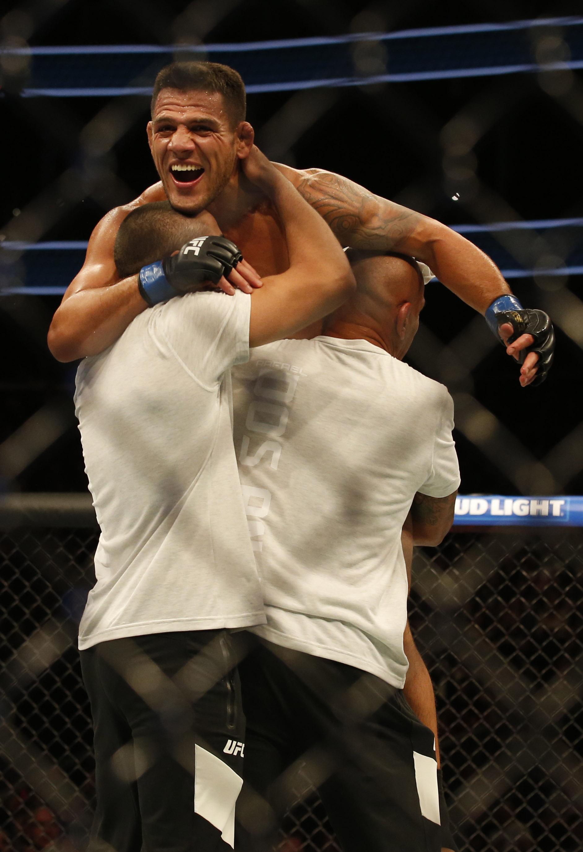 MMA: UFC 215-Magny vs Dos Anjos
