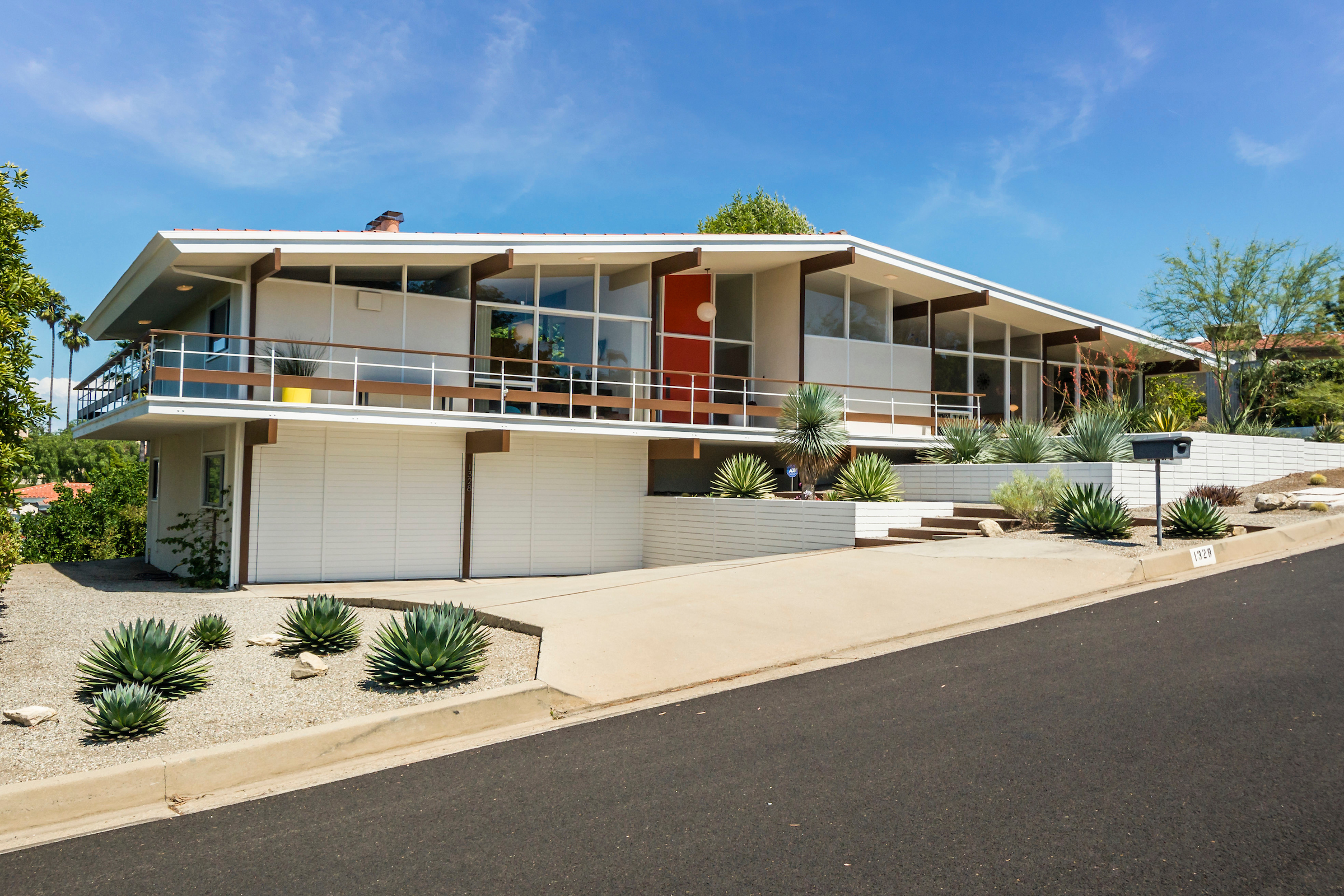 Modern homes los angeles brentwood untouched 1960 mid century modern - Glassy Midcentury Modern In Palos Verdes Estates Seeks 1 8m