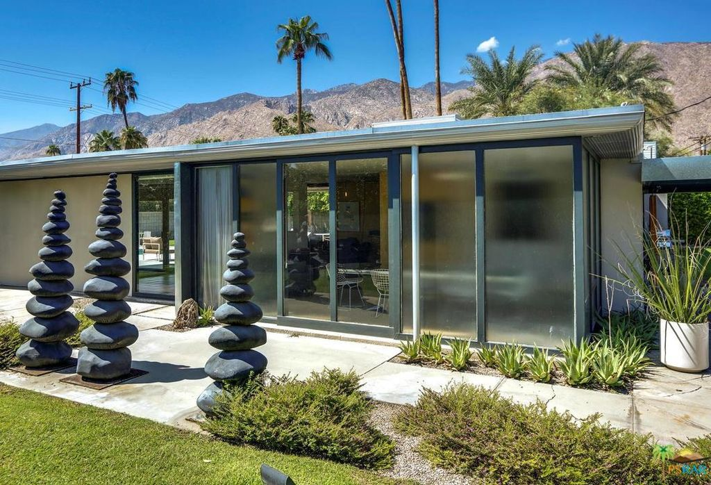 Palm Springs midcentury home