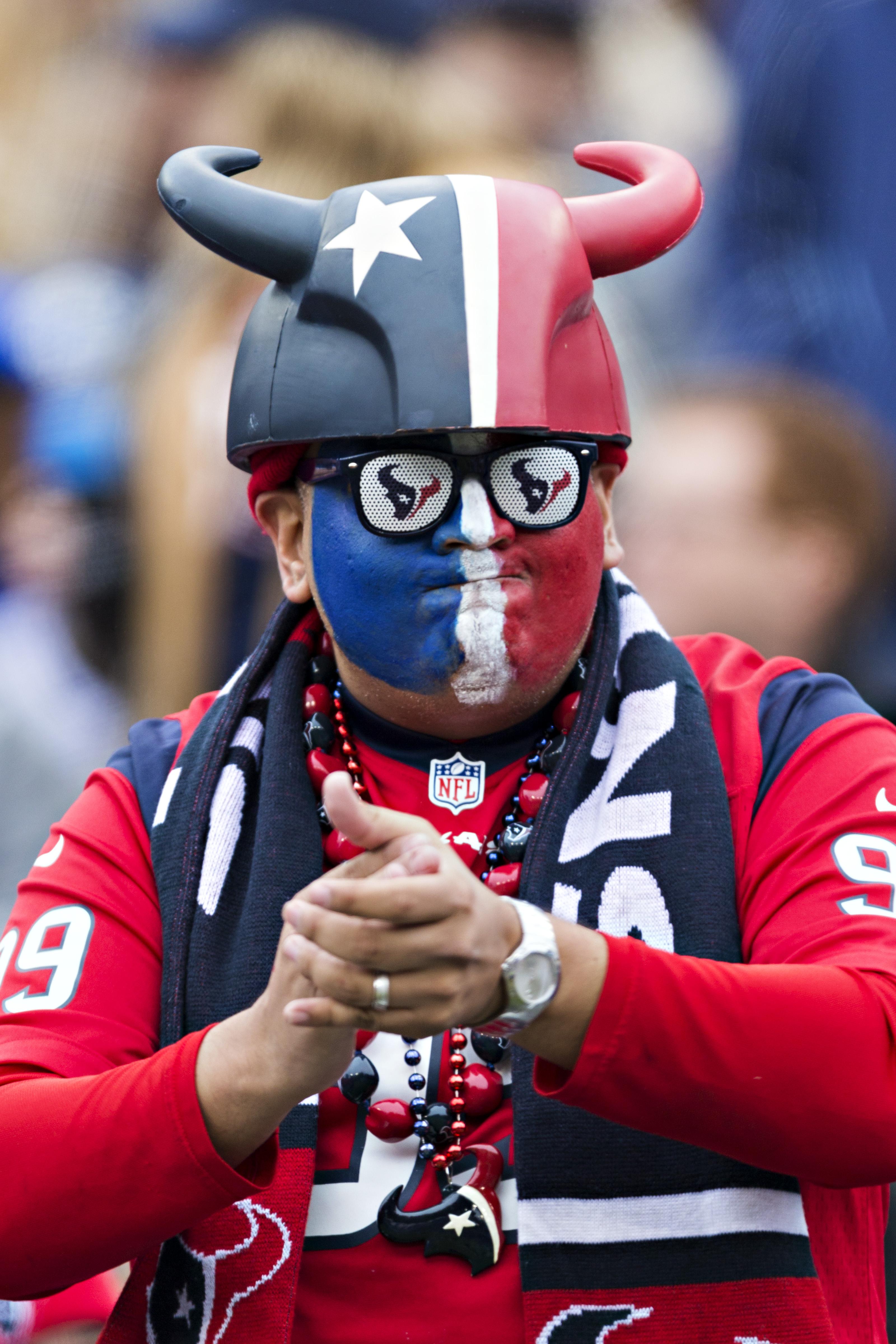 Houston Texans v Tennessee Titans