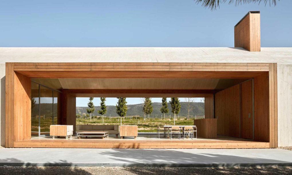 Solar-powered cottage is a modern vineyard dream