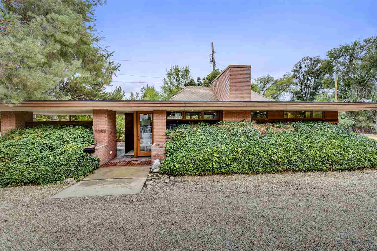 A wee Frank Lloyd Wright-inspired home can be yours for $299K
