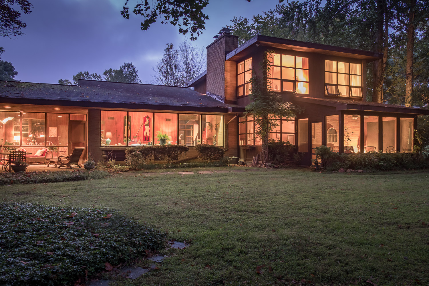 Midcentury modern home hides on the main line asks 595k