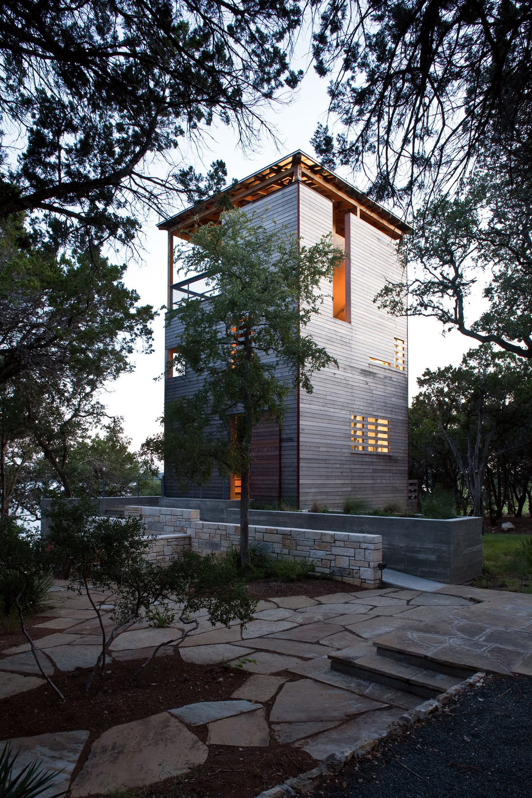 guest tower for lakehouse