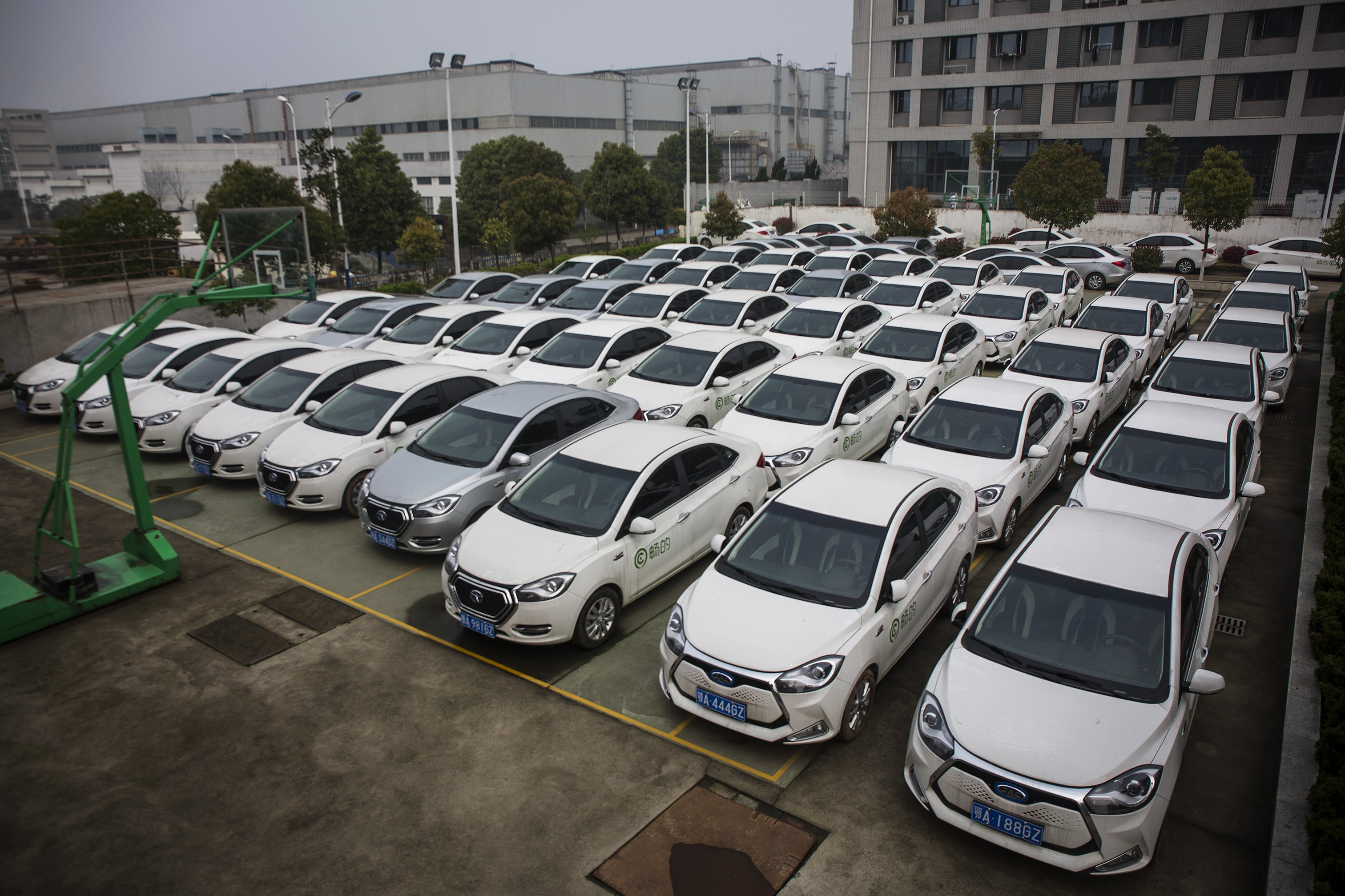 Mobell Cars Appear In Wuhan