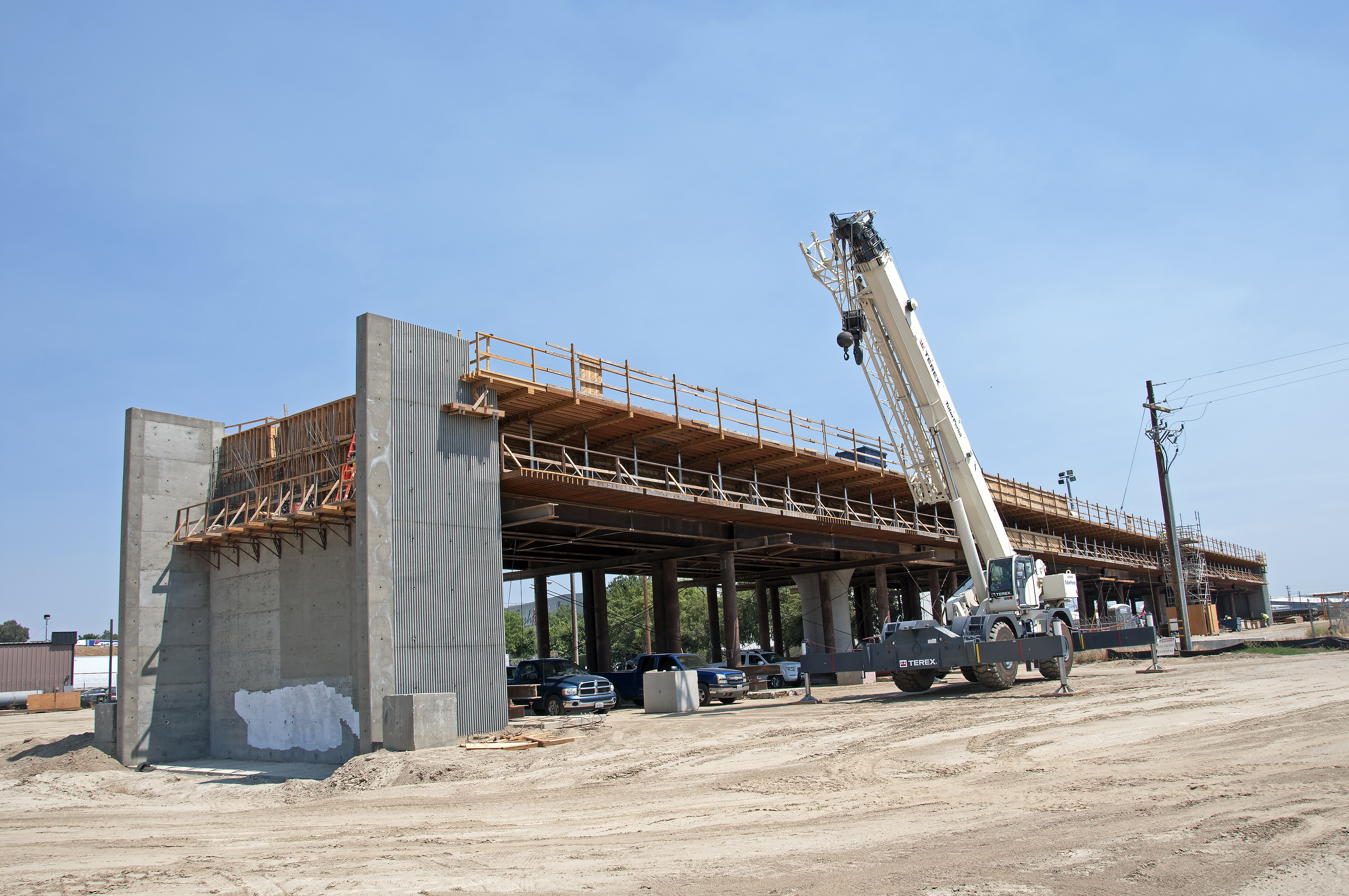 Construction of the Muscat Avenue Viaduct seen west of State Route 99 in Fresno, California.