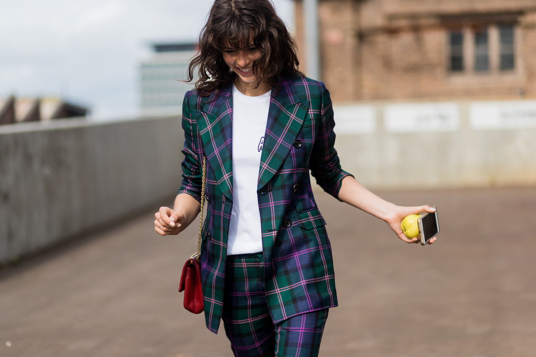 Where to Shop for Work Clothes That Won't Break the Bank