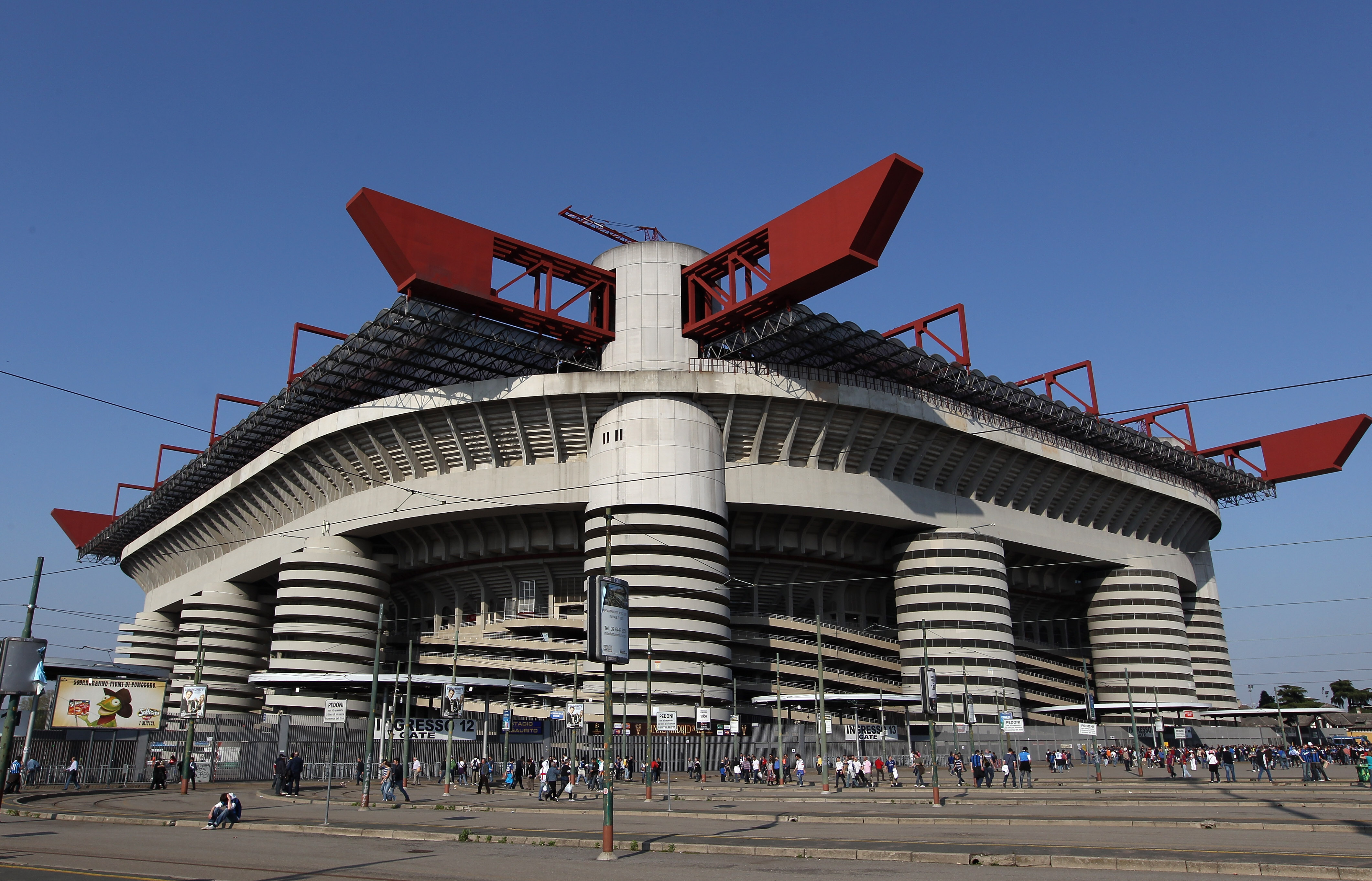 Inter Milan v Barcelona - UEFA Champions League