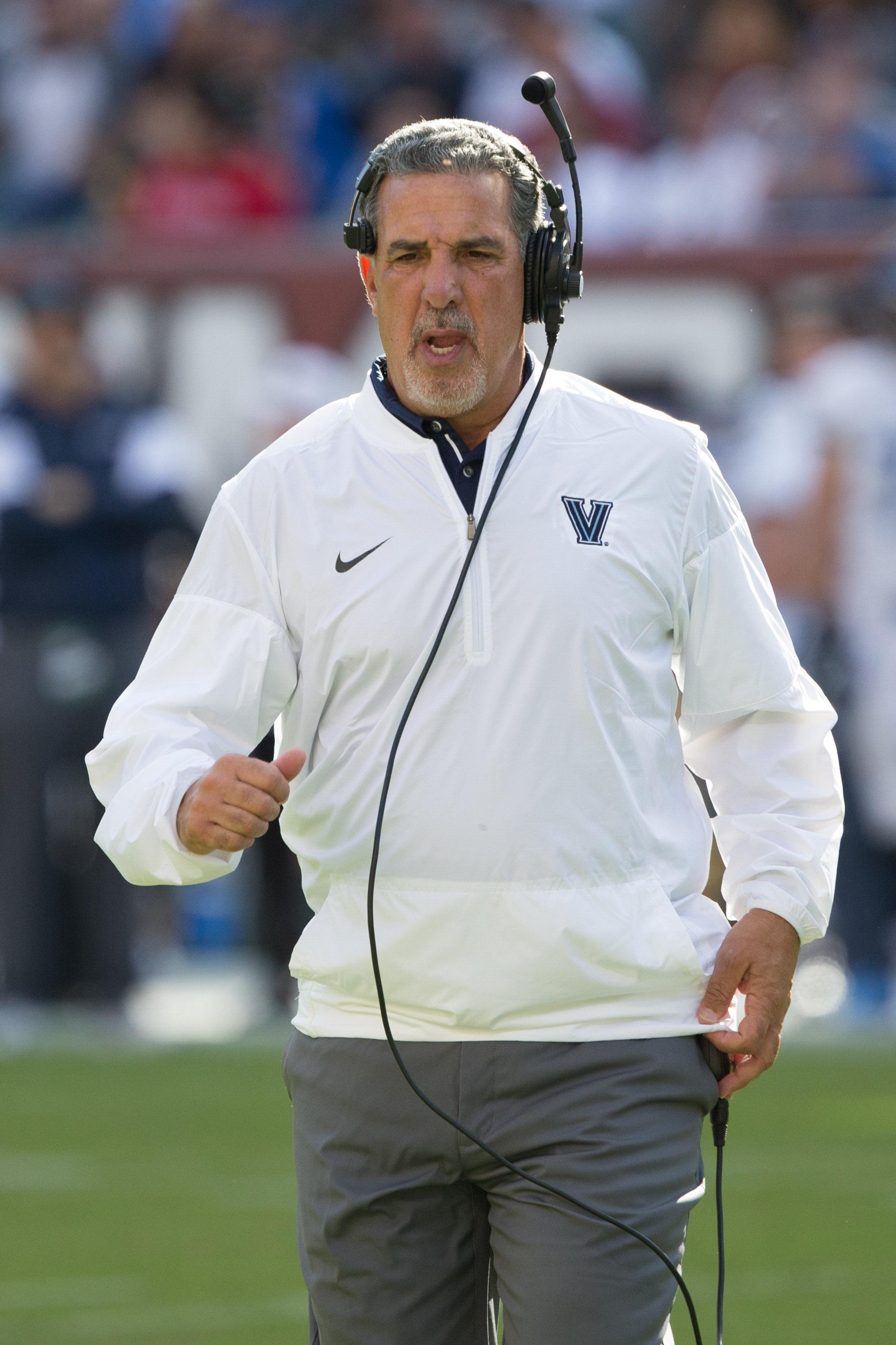 NCAA Football: Villanova at Temple