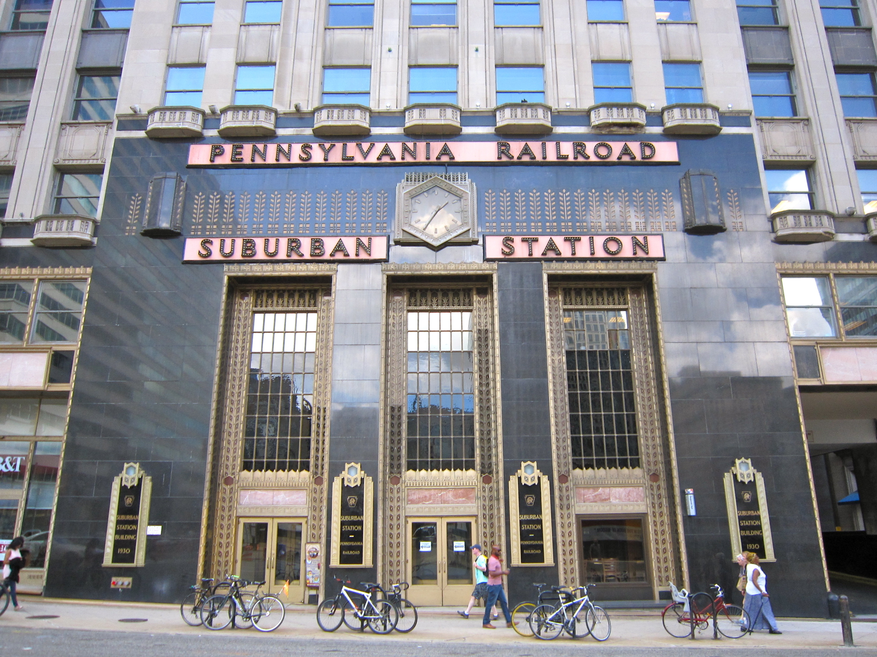 Suburban Station to open permanent service hub for the homeless ...